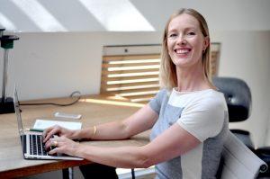 Speaking in online meetings: My 21 top tips for more impact